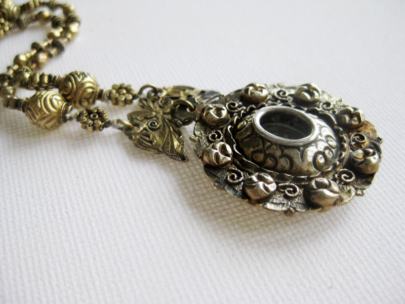 Antique tamborin necklace from the late 19th century