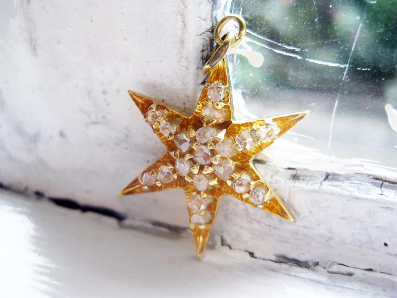 Antique 9K Gold Star Pendant with Diamante (rough cut small diamonds).