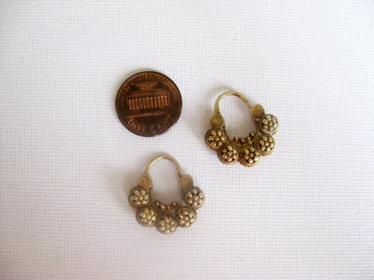 Small antique creolla earrings.