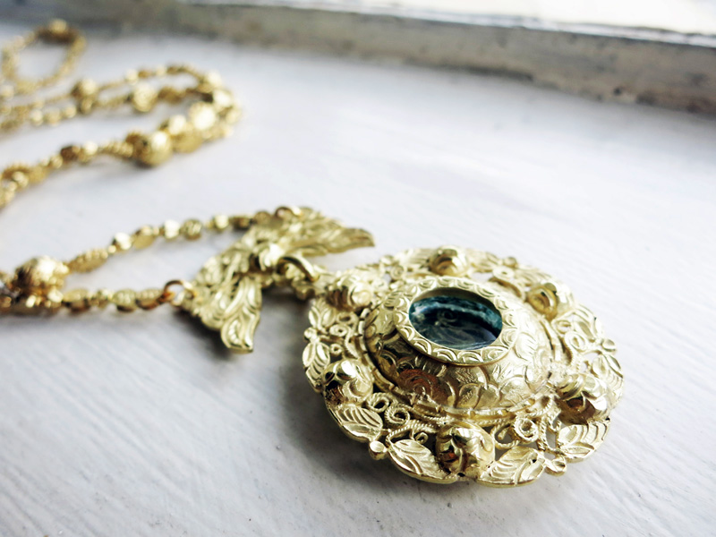 10K Gold Big Antique Tamborin Necklace