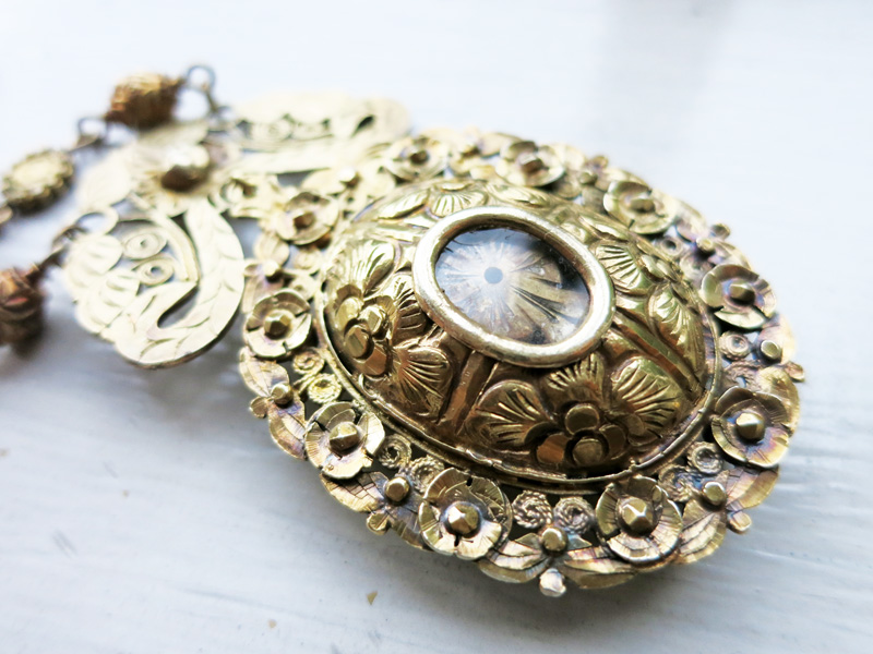 Vintage reliquary or relikaryo pendant old philippine jewelry antique reliquary made of 8k gold with monstrance design inside aloadofball Image collections